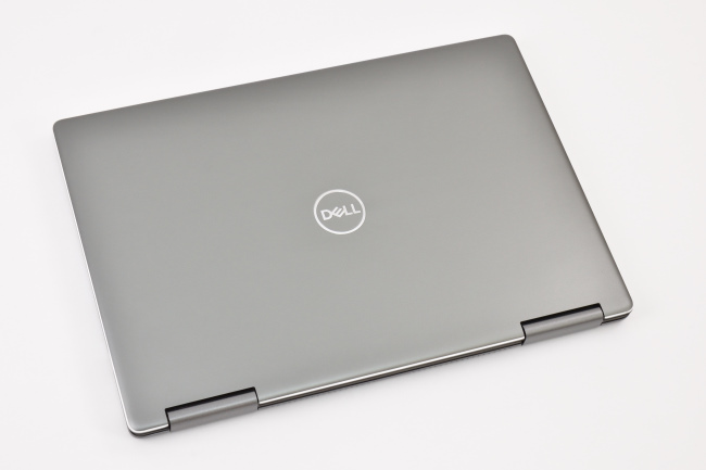 Inspiron 13 7000 2-in-1 天面(その2)