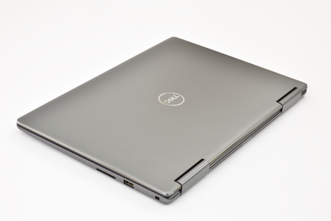 Inspiron 13 7000 2-in-1 天面(その3)