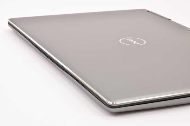 Inspiron 13 7000 2-in-1 天面(その4)