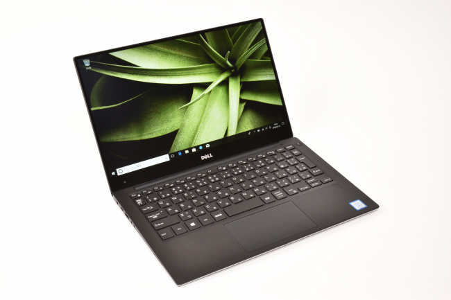 XPS 13 正面(向かって斜め左)