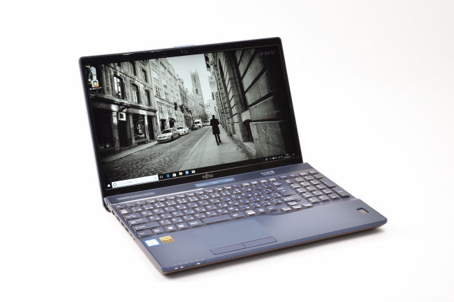 LIFEBOOK WA3/B3 正面(向かって斜め左)