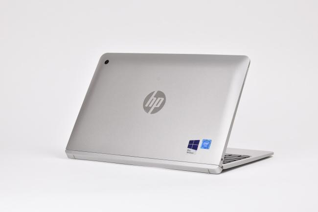 HP x2 210 G2 背面側(向かって斜め右)
