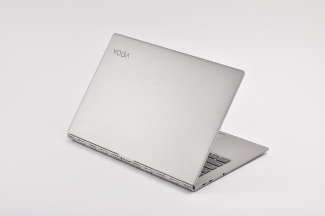Lenovo YOGA 920 背面側(その3)