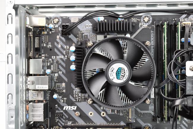 CPU とメモリスロット