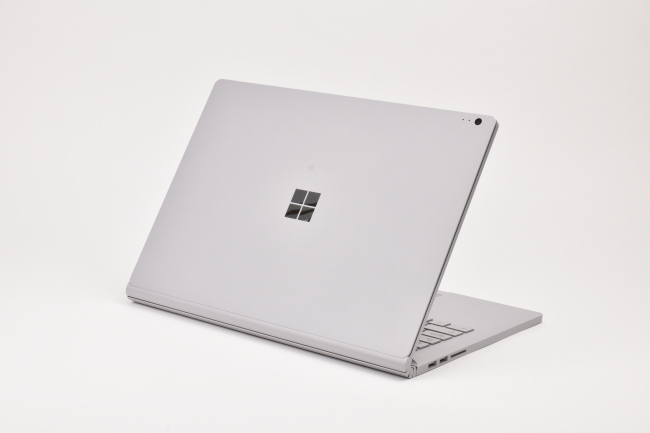 Surface Book 2 背面側
