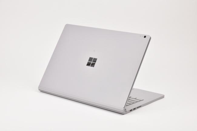 Surface Book 2 背面側