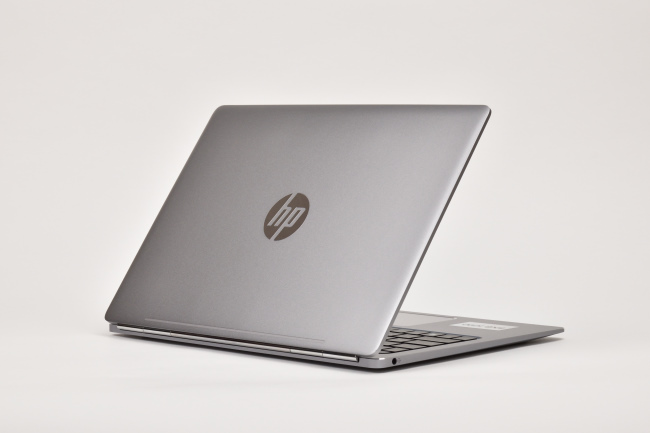 HP EliteBook Folio G1 背面側(その1)