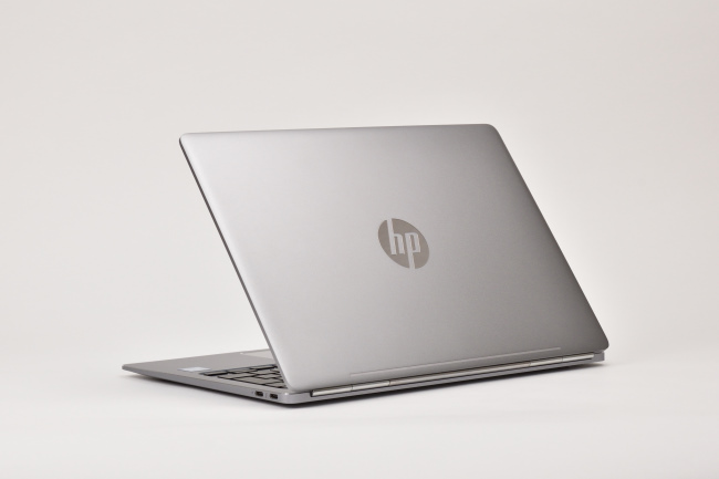 HP EliteBook Folio G1 背面側(その2)