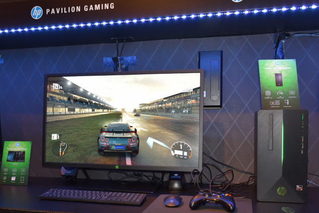 HP Pavilion Gaming 690 正面側(その1)
