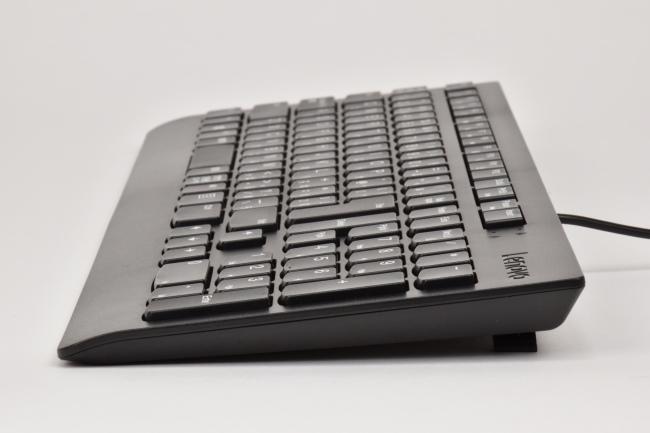 キーボードの傾斜は 2段階で調整可能(その2)