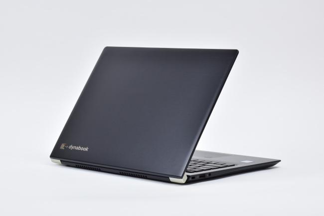 dynabook UZ63/F 背面側(その1)