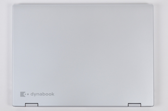 dynabook VZ82/F 天面(その1)