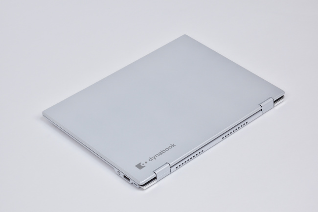 dynabook VZ82/F 天面(その2)