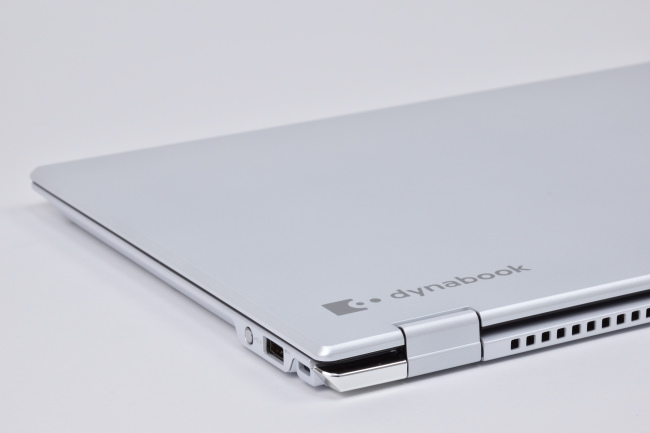 dynabook VZ82/F 天面(その3)