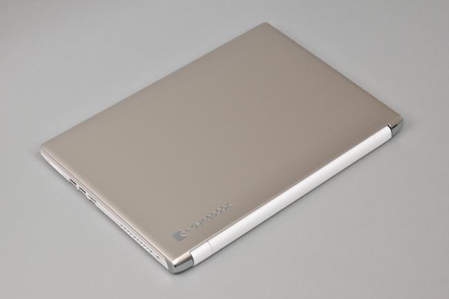dynabook AZ65/G 天面(その2)
