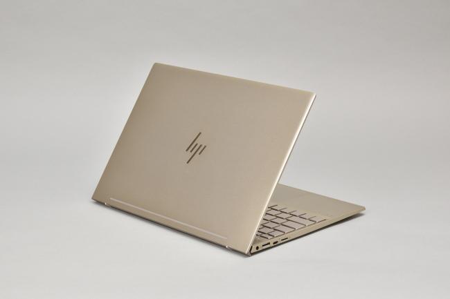 HP ENVY 13 背面側(その3)
