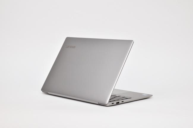 Lenovo ideapad 720S 背面側(その1)