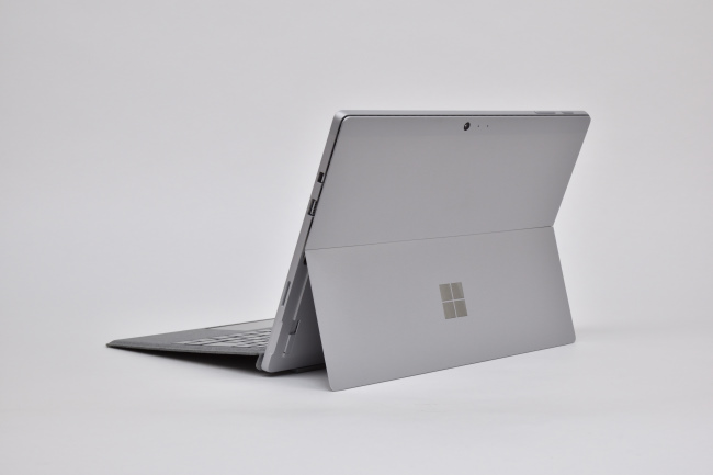 Surface Pro LTE Advanced 背面側(その3)