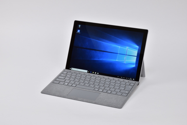 Surface Pro LTE Advanced 正面