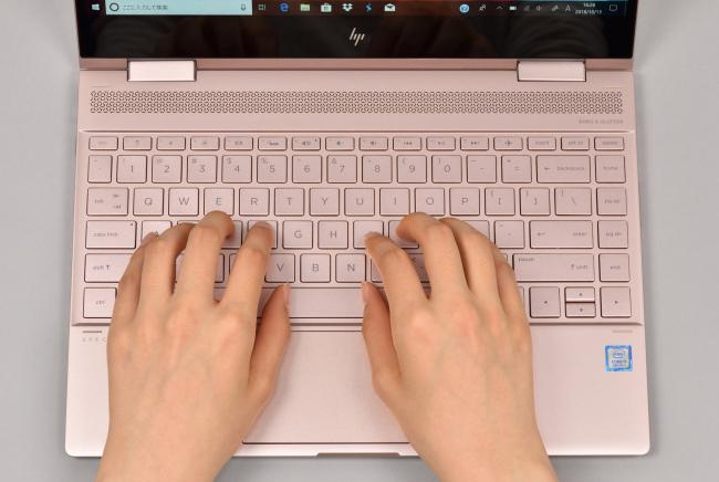 キーボードに両手を置いたときのイメージ(その1)