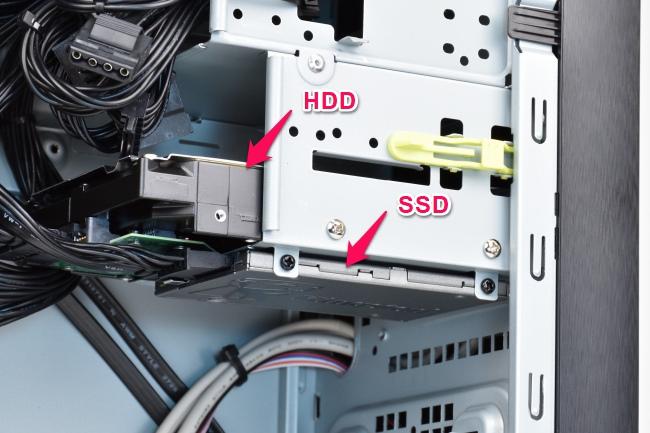 SSD と HDD