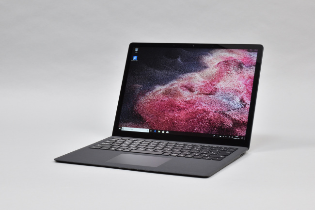 Surface Laptop 2 正面側