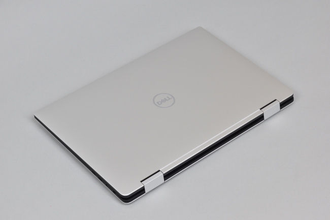 XPS 15 2-in-1 (9575) 天面(その2)