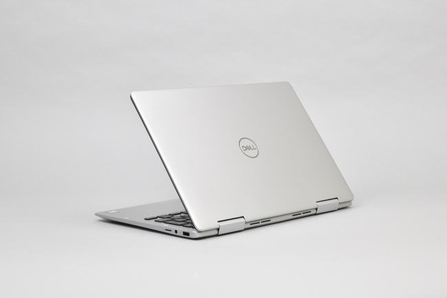 Inspiron 13 7000 2-in-1 (7386) 背面側(その2)
