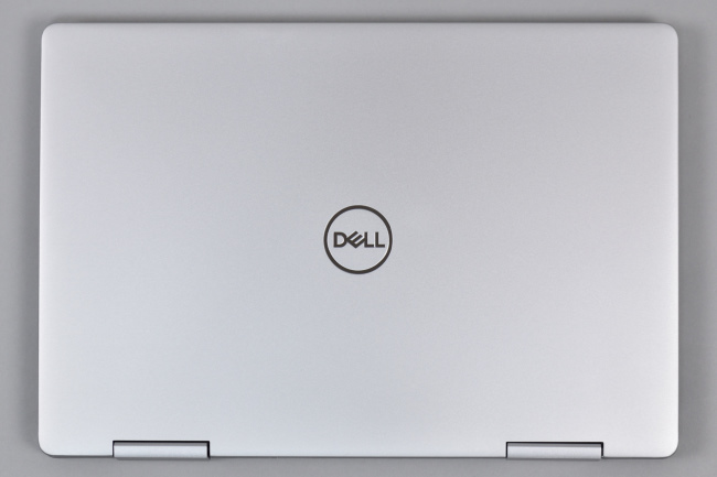 Inspiron 13 7000 2-in-1 (7386) 天面(その1)