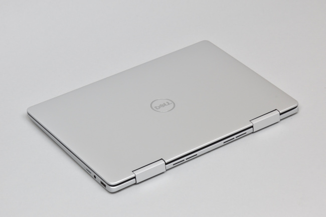 Inspiron 13 7000 2-in-1 (7386) 天面(その2)
