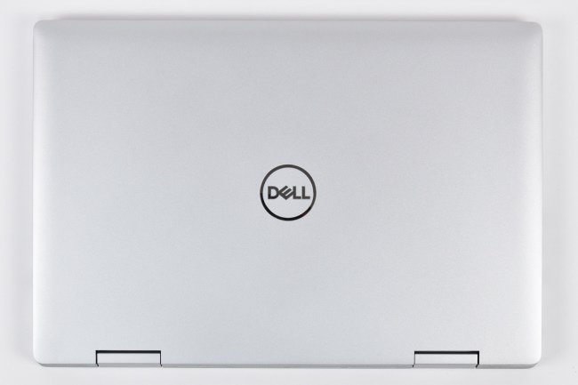 Inspiron 15 5000 2-in-1 (5582) 天面(その1)
