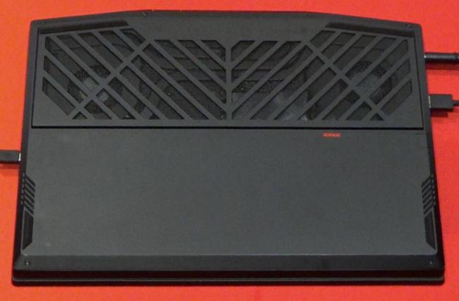 OMEN X 2S 15 吸気口(底面側)
