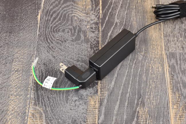 電源アダプターはコンセントに直付けできる