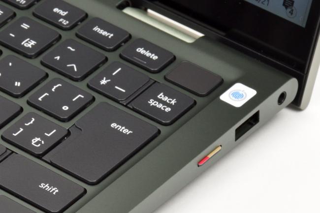 microSD カードスロット